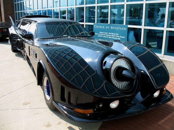 Batmobile-limousine-l-3380
