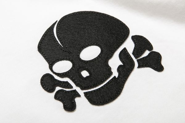 BHSC BxH Sawing Skull Tee Detail1