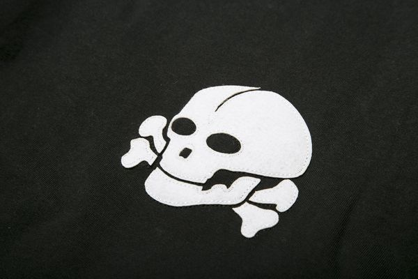 BHSC BxH Sawing Skull Tee Detail2