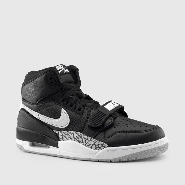 Nike_av3922-001_01