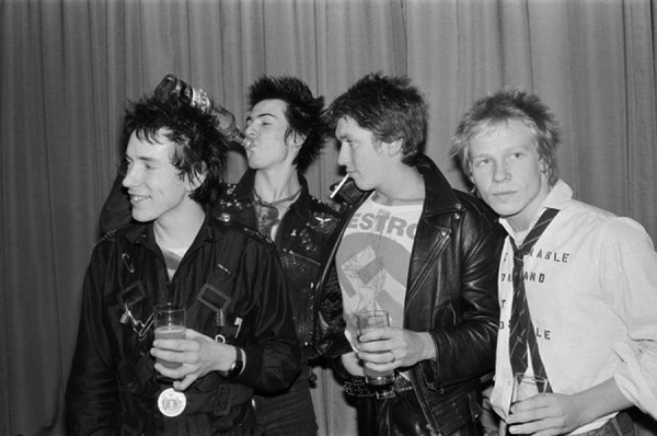 0_The-Sex-Pistols-London-10th-March-1977