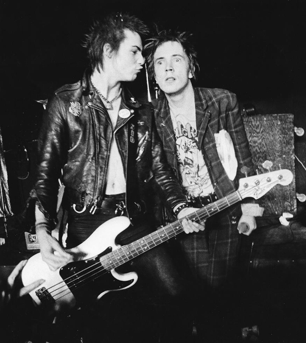 29- Sex Pistols Vicious and Rotten